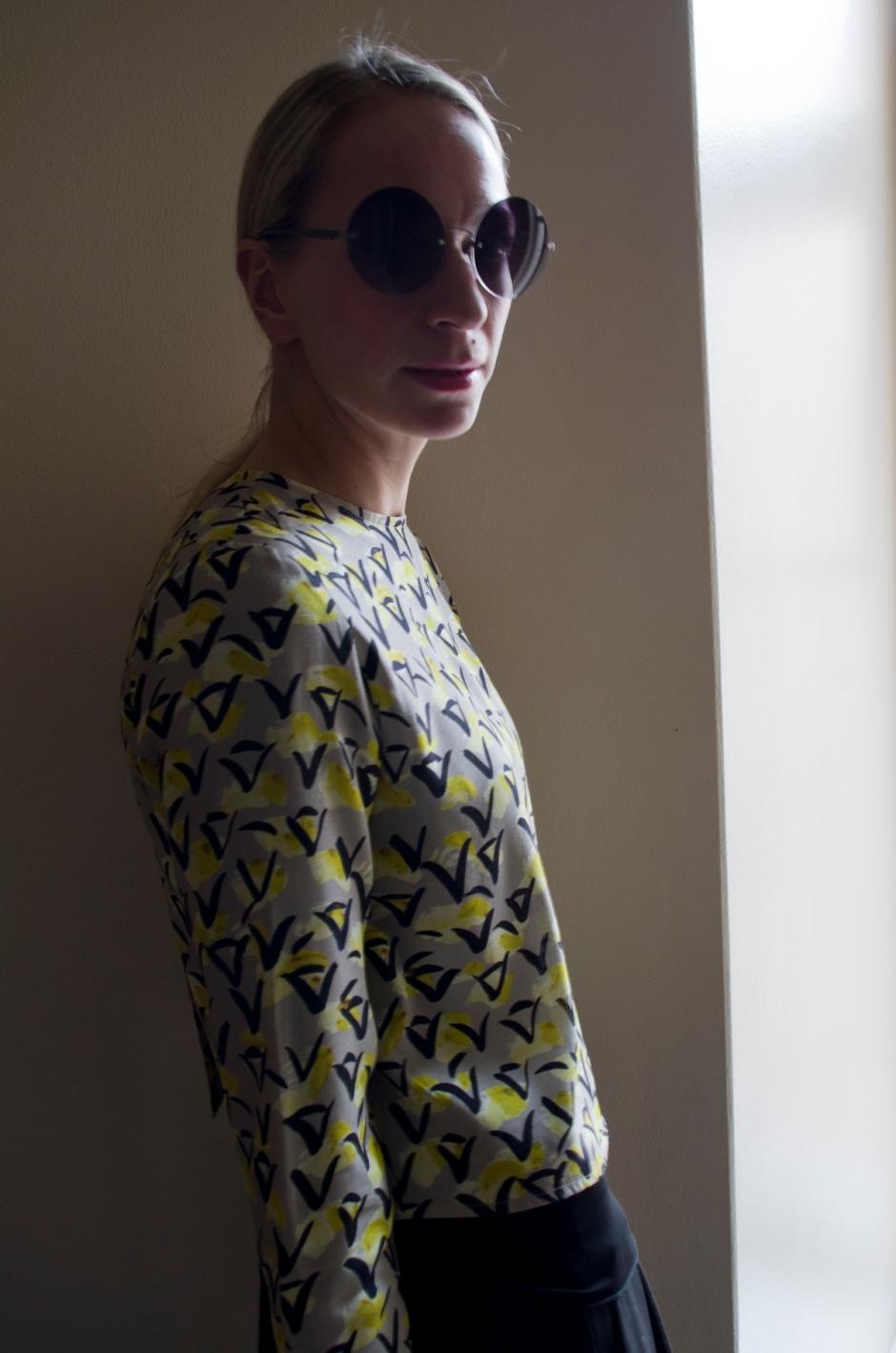 Samuji shirt and Selected Femme skirt from Stockmann. Oxydo sunglasses from Keops Helsinki   www.stillme.fi