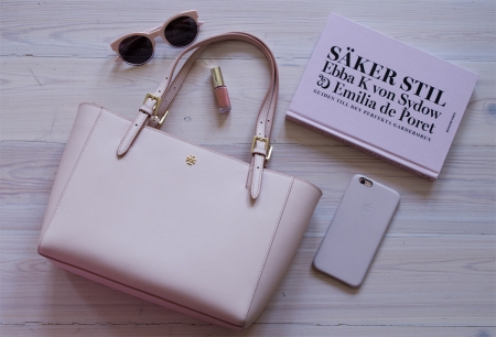 Nude Rose, Fashion Trends, Säker Stil, Tory Burch, iPhone 6s Plus, Spring 2016 | www.stillme.fi